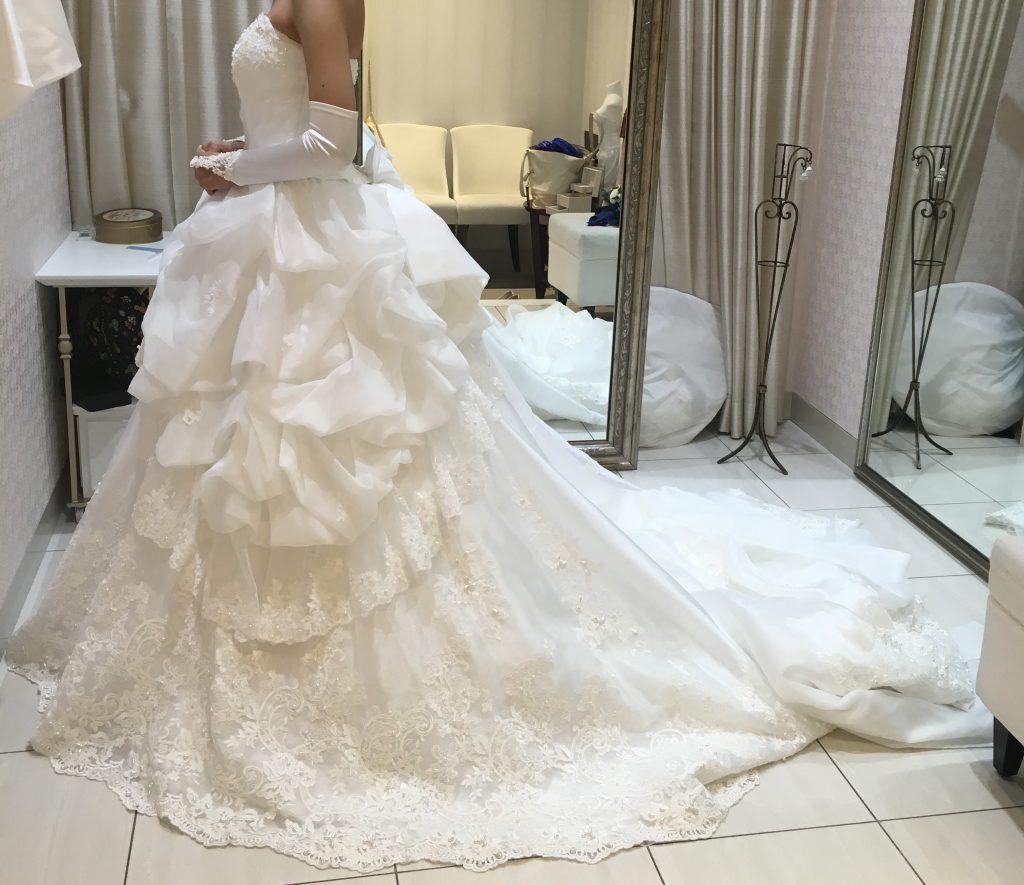 タカミブライダルのウェディングドレス・トロワラス