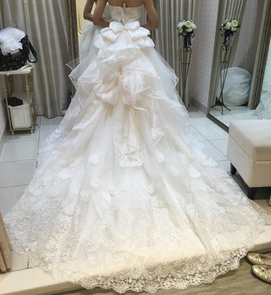 タカミブライダルのウェディングドレス・スエラ