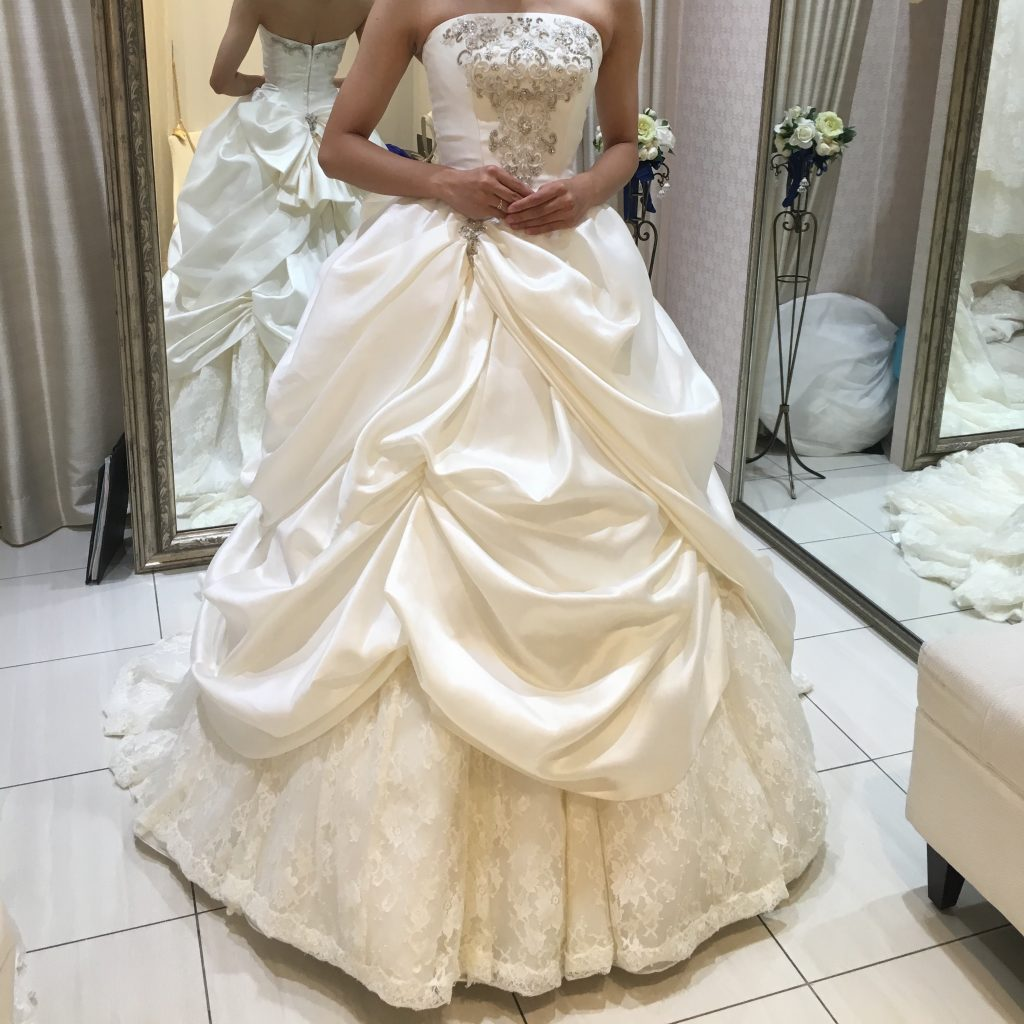 タカミブライダルのウェディングドレス・ローゼリーナ