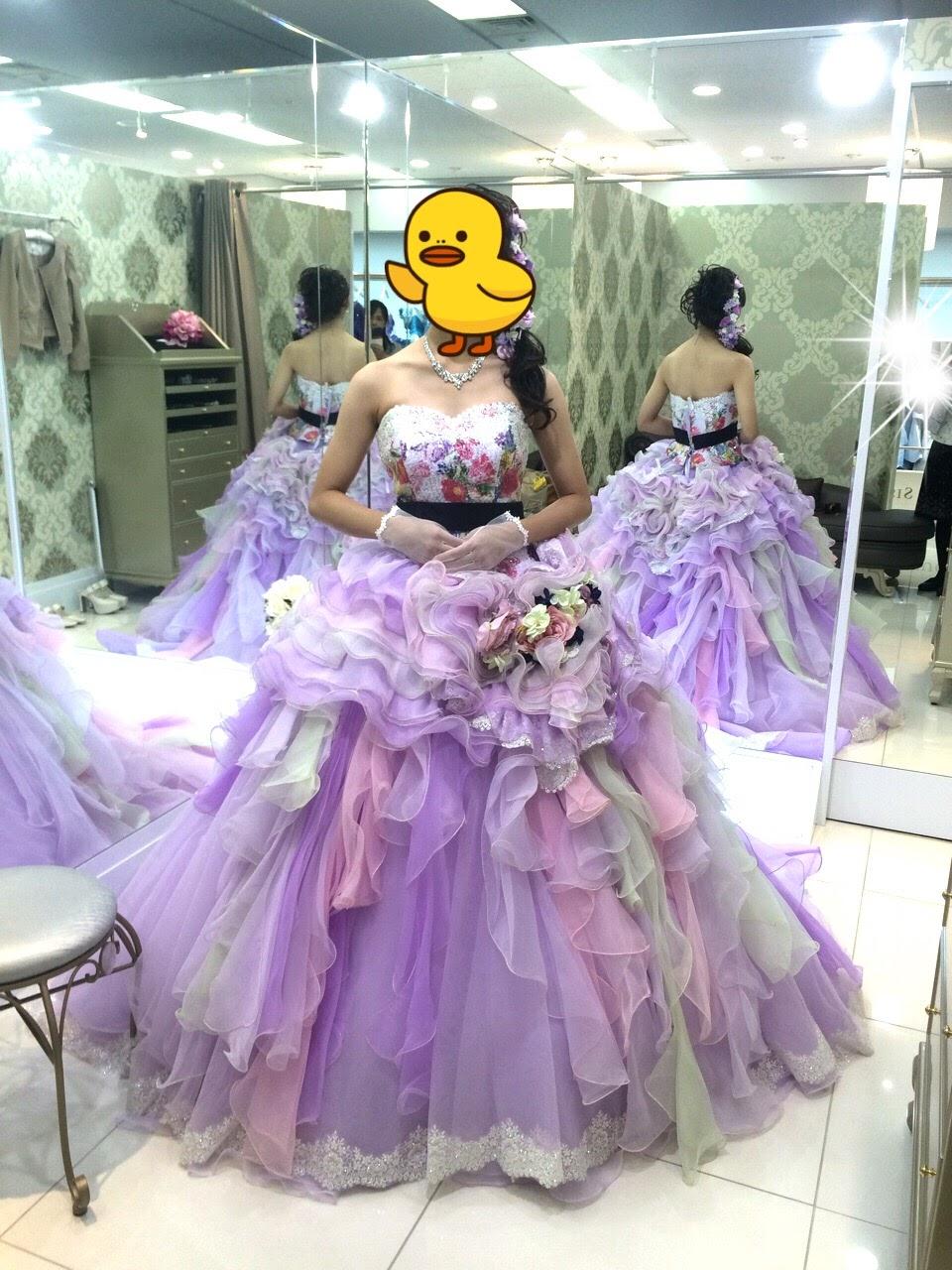 フォーシスアンドカンパニーのカラードレス・篠田麻里子ドレス