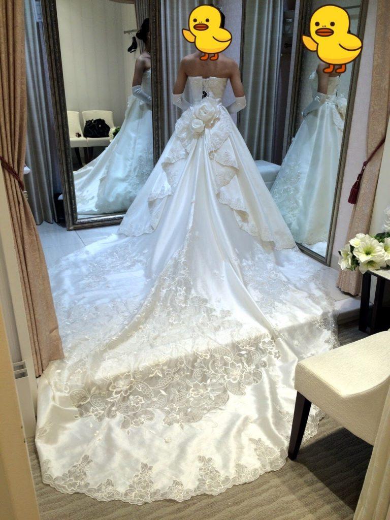 タカミブライダルのウェディングドレス・リュヌ