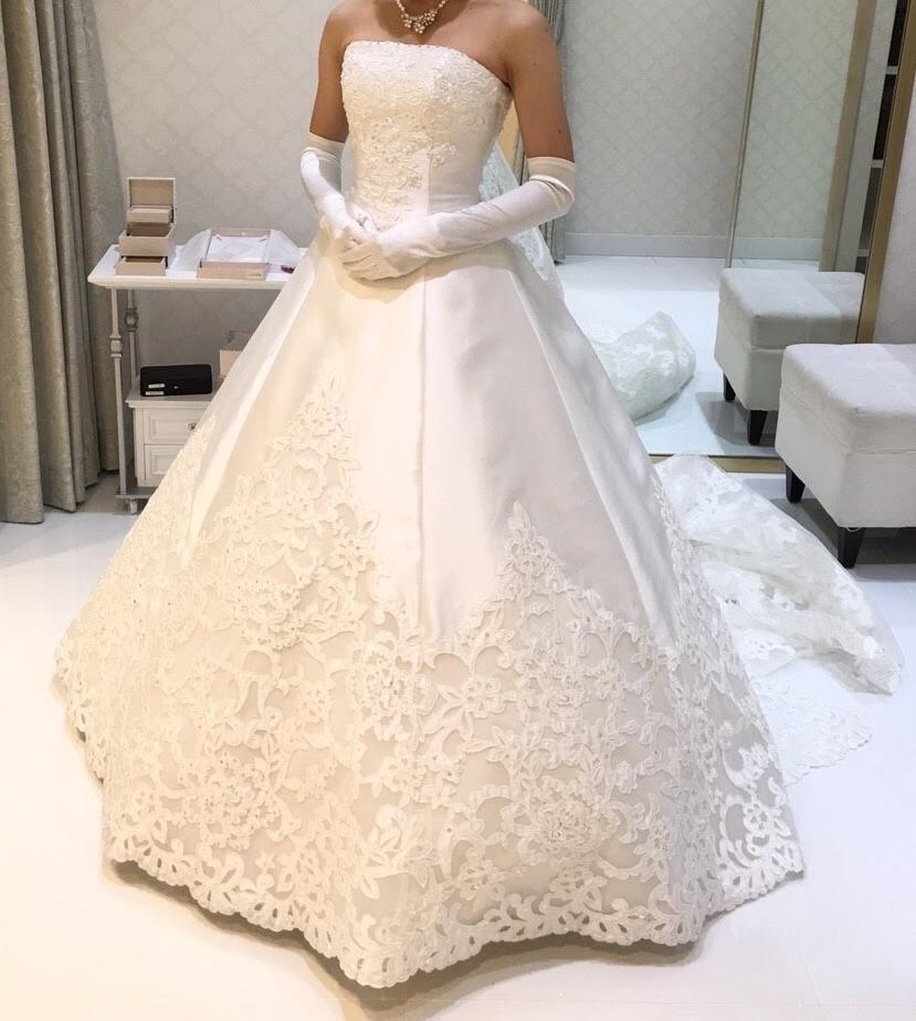 タカミブライダルのウェディングドレス・フレジス