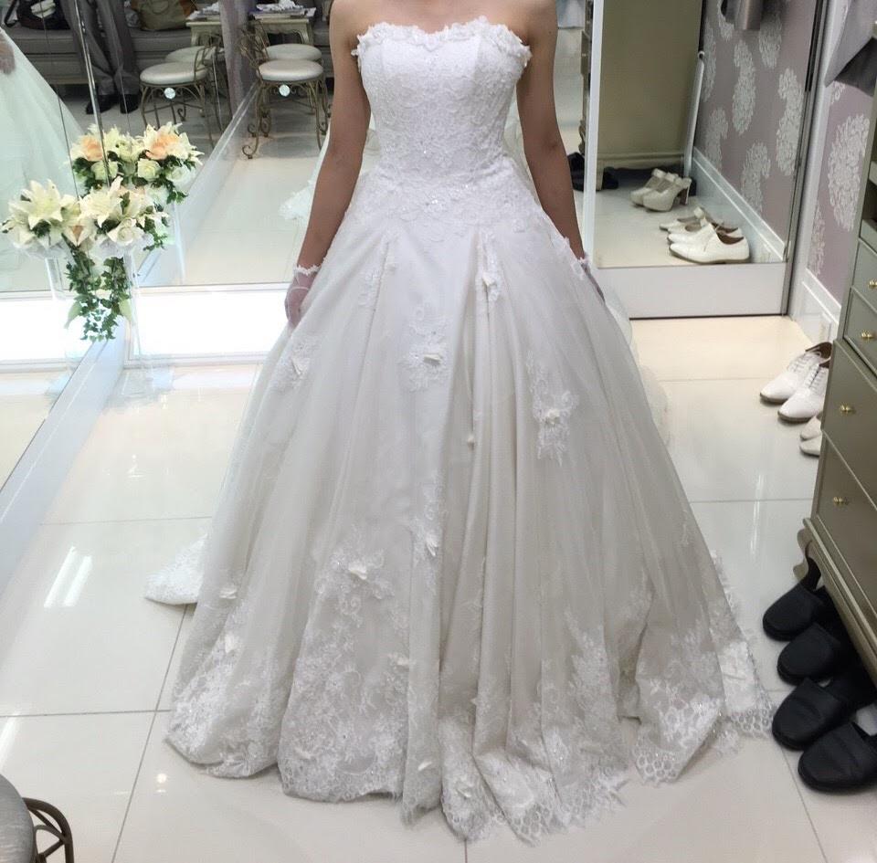 フォーシスアンドカンパニーのウェディングドレス・フォレスト
