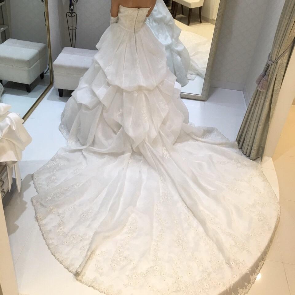 タカミブライダルのウェディングドレス・タルトタタンのトレーン