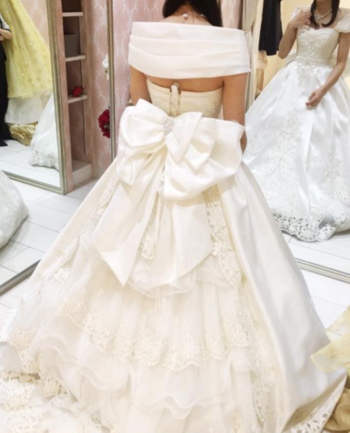 タカミブライダルのウェディングドレス・アマレッティ