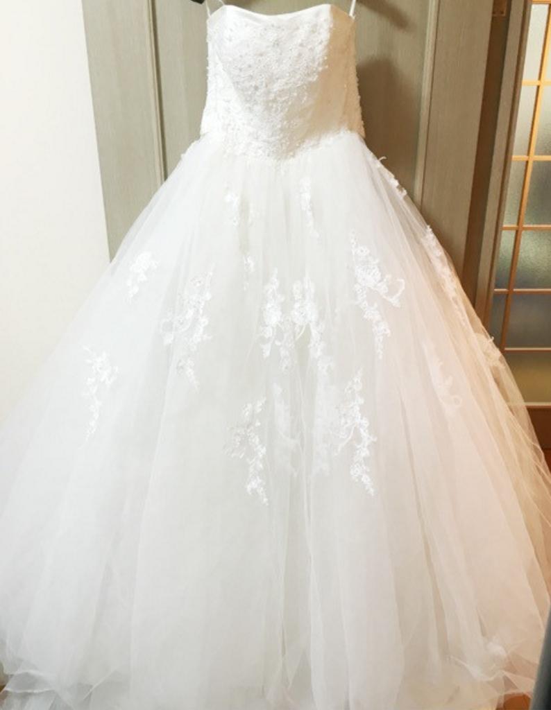 YNS weddingのウェディングドレス