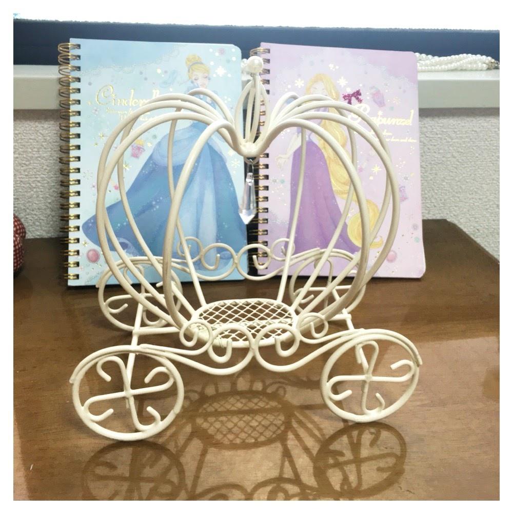 手作りのかぼちゃの馬車、結婚式リングピロー