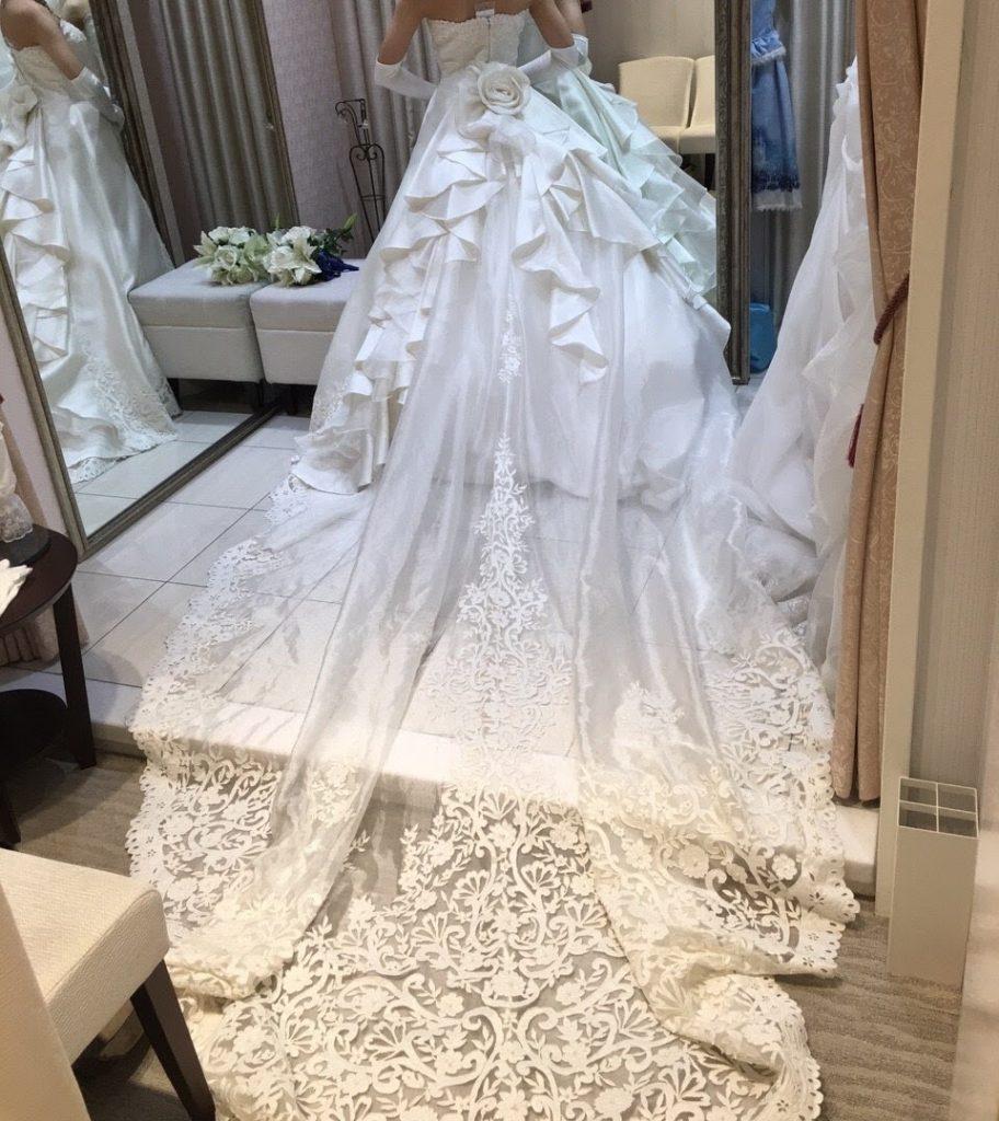 タカミブライダルのウェディングドレス、シュマーレーン
