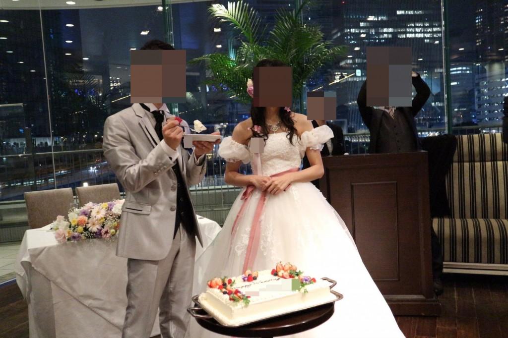 YNS weddingのウェディングドレス、タキシード
