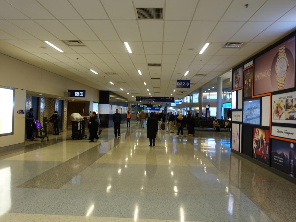 WDW旅行記ブログ/DCL旅行記ブログ ダラス空港での乗換方法