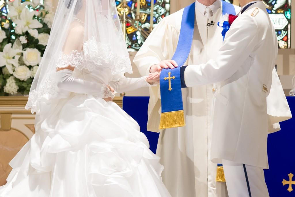 アニヴェルセルみなとみらい横浜 結婚式レポブログ チャペルでの挙式(神前式)指輪の交換 ベールアップ 署名