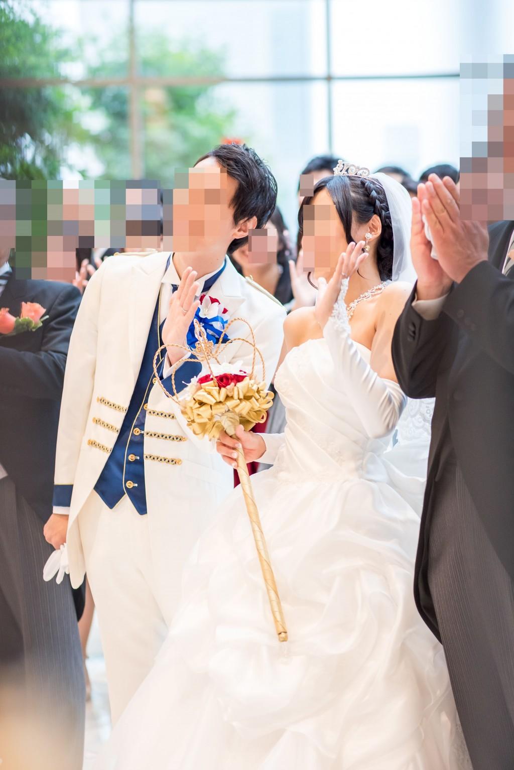 アニヴェルセルみなとみらい横浜 結婚式レポブログ アフターセレモニーでの全員集合写真撮影、新郎新婦当日写真撮影