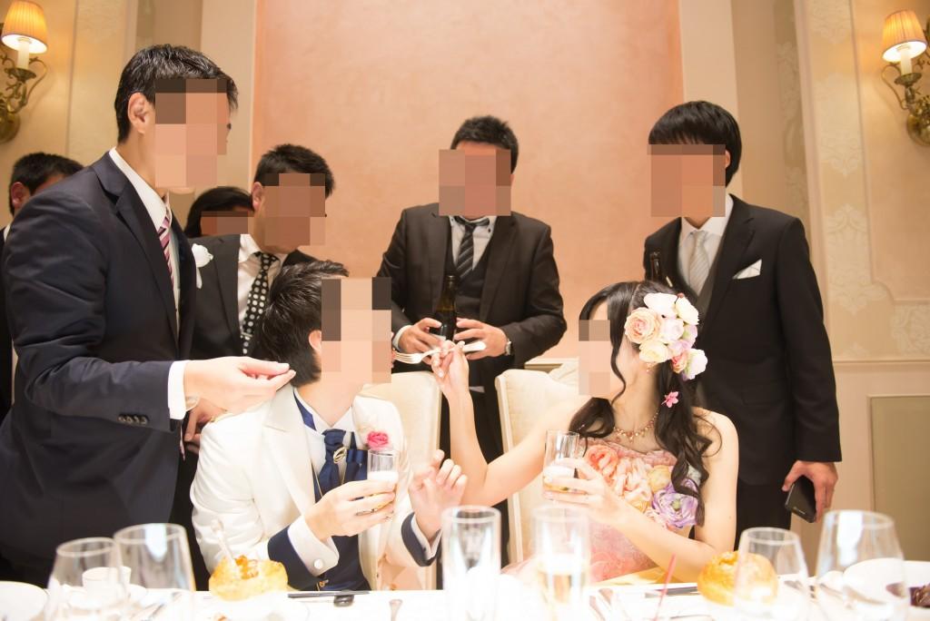 アニヴェルセルみなとみらい横浜 結婚式レポブログ ヴィラスウィートでの披露宴 後半の歓談&高砂写真(女優ライトあり)