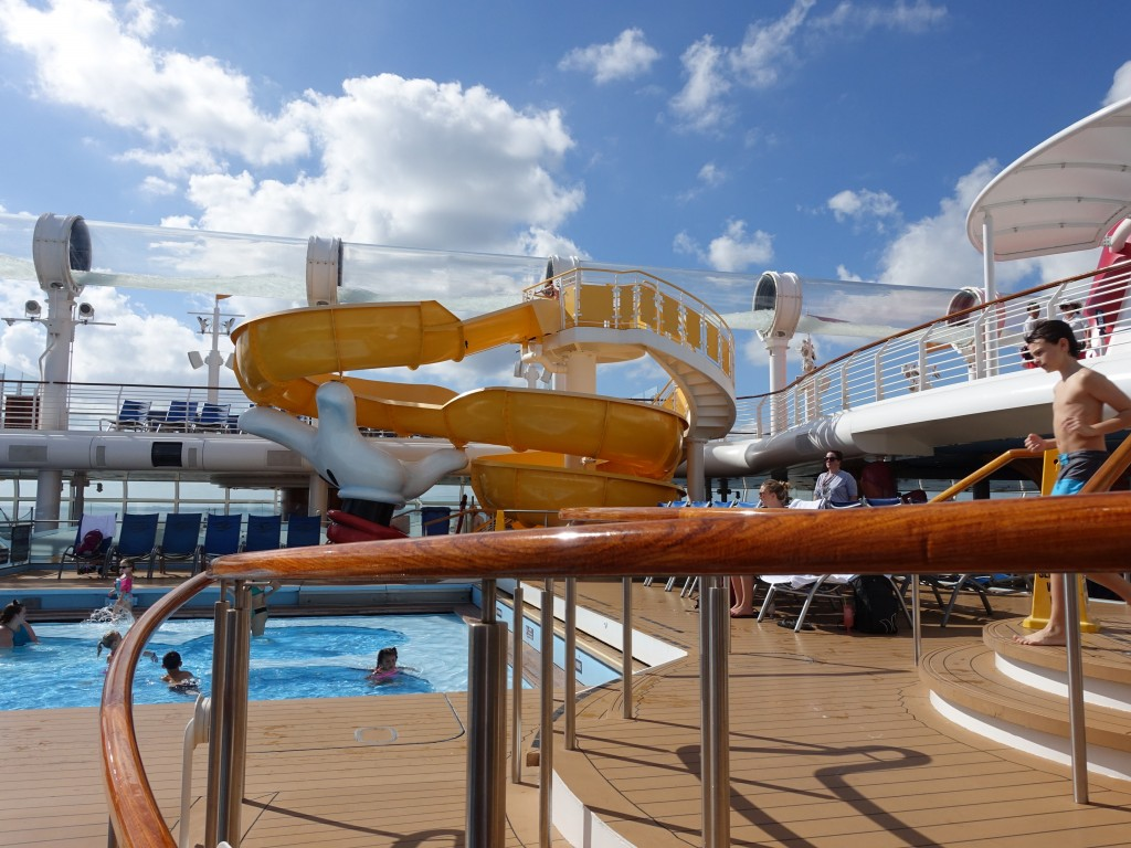WDW旅行記ブログ/DCL旅行記ブログ ディズニー・ドリーム号4泊バハマ カバナで朝食&プール周辺散策