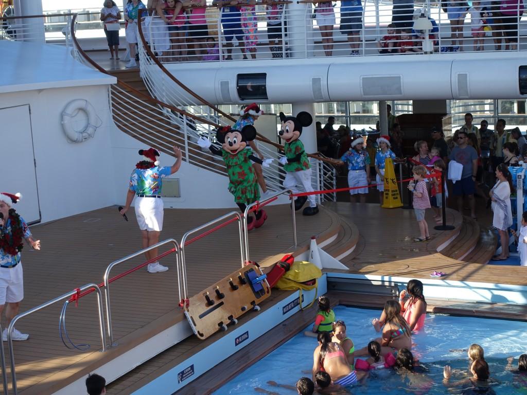 WDW旅行記ブログ/DCL旅行記ブログ ディズニークルーズライン4泊バハマ航路 バー・フィットネスクラブ・お菓子屋さんを探検・ホリデーショー