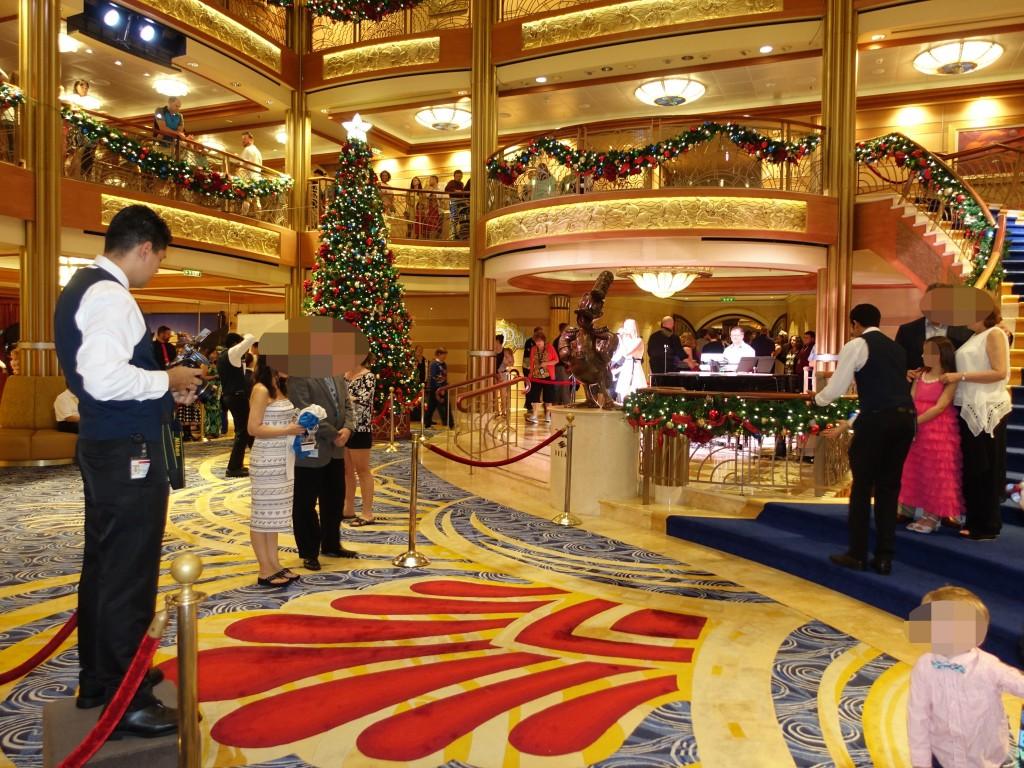 WDW旅行記ブログ/DCL旅行記ブログ ディズニークルーズライン4泊バハマ航路 オプショナルドレスアップ(セミフォーマルナイト)のドレスコード、アニメーターズパレットでのディナー