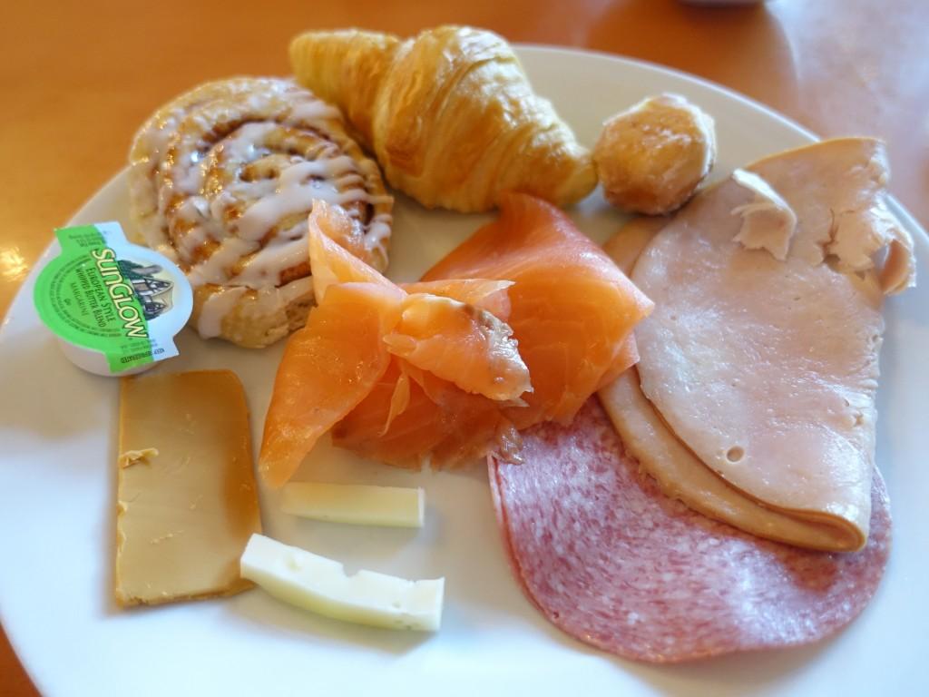 WDW旅行記ブログ/DCL旅行記ブログ エプコット プリンセスのキャラダイ アケシュースロイヤルバンケットホールで朝食