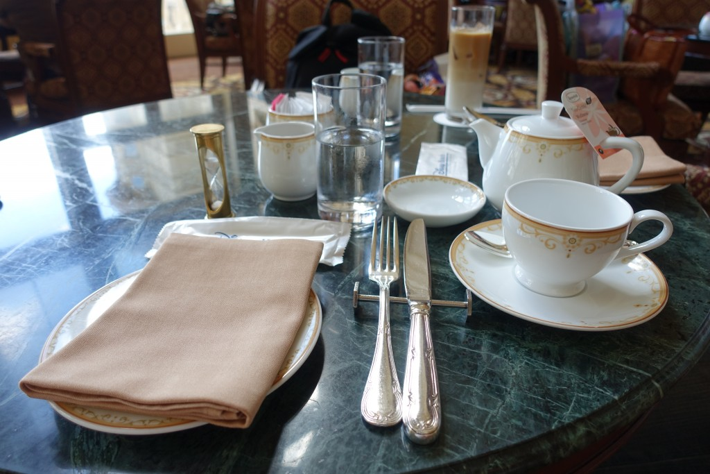 ドリーマーズラウンジ(東京ディズニーランドホテル)のハロウィンアフタヌーンティー&パスタランチ。混雜具合や待ち時間情報!
